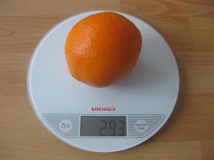 Orange auf der Waage
